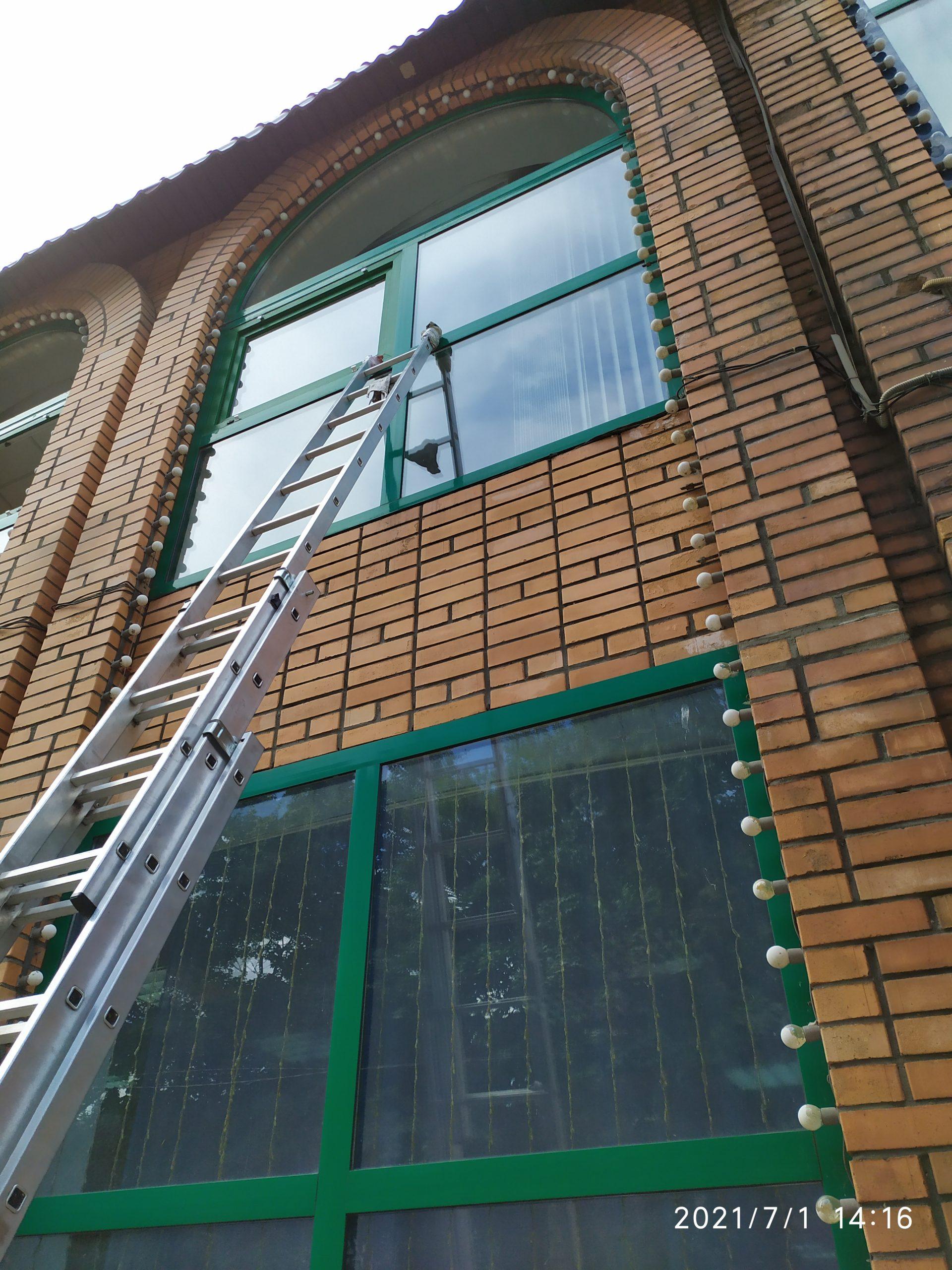 Мойка окон и фасадов зданий Фото 13