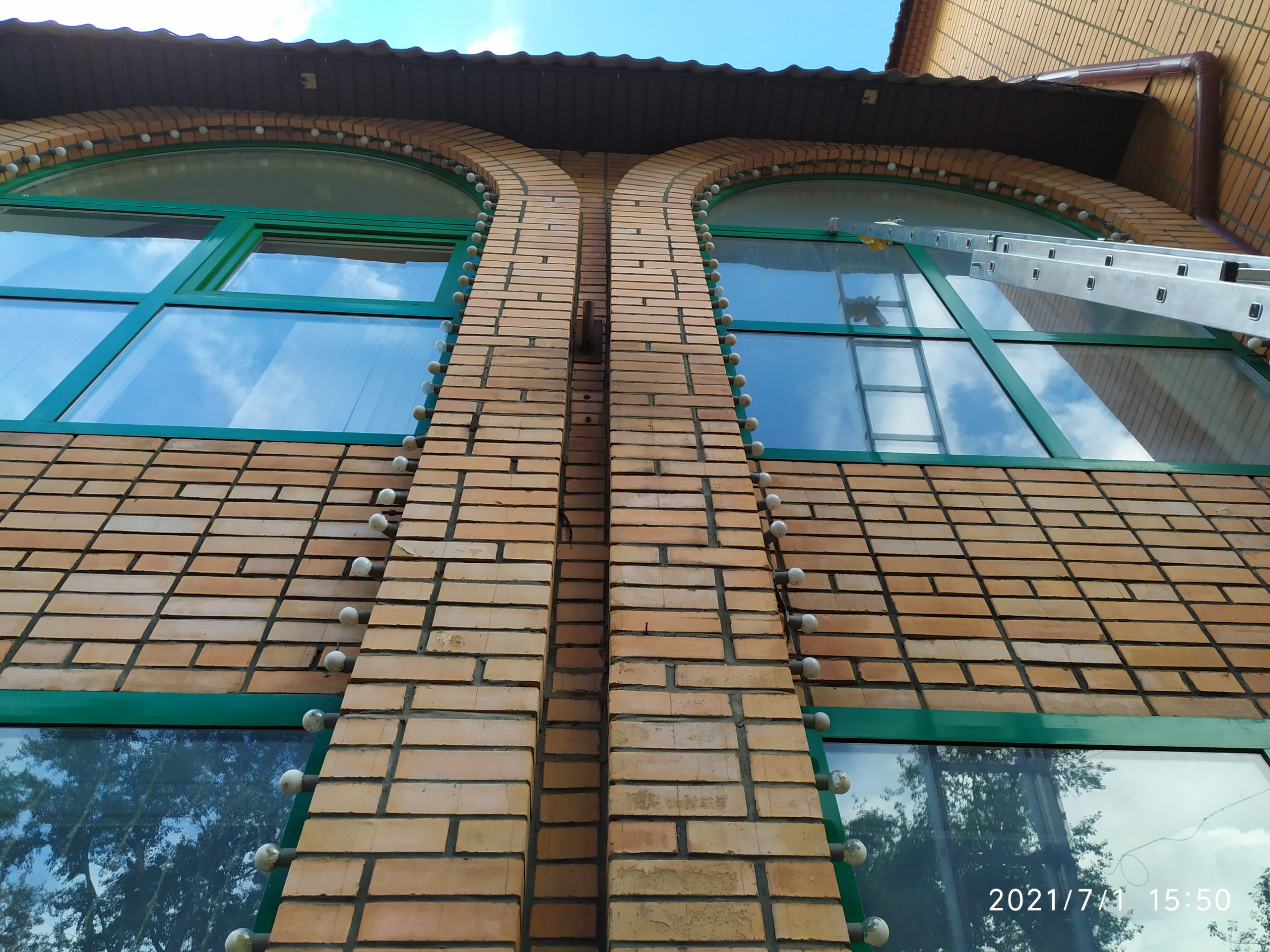 Мойка окон и фасадов зданий Фото 4