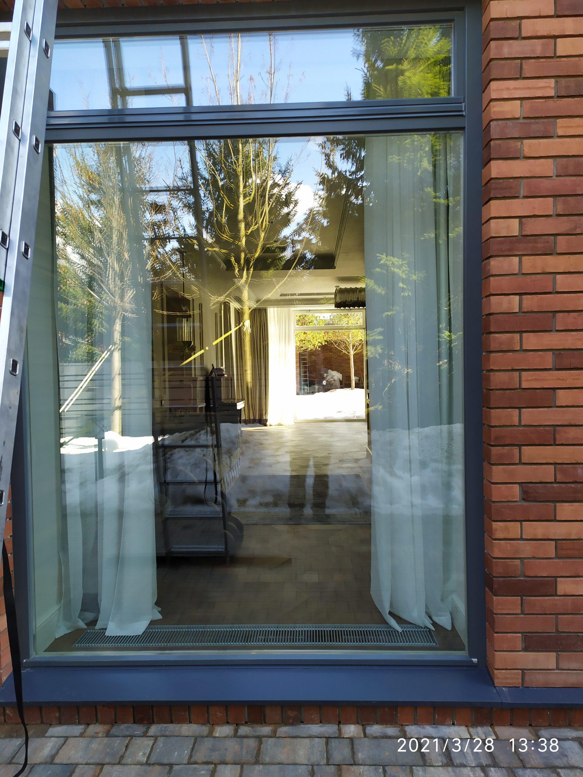 Мойка окон частного дома фото 5